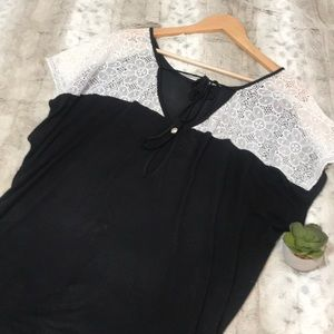Forever 21 + Plus Lace Top Black & White 1x